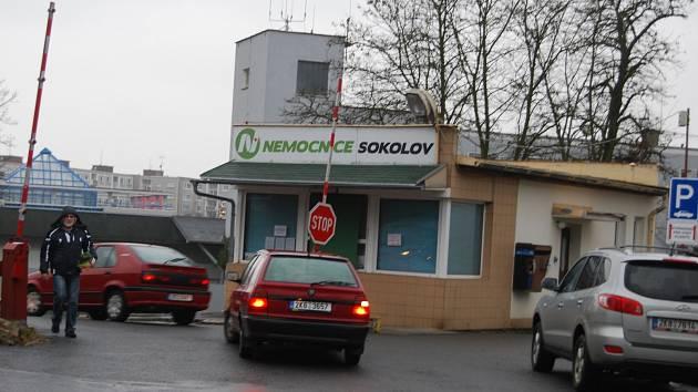 Do sokolovské nemocnice míří finanční dar 200 tisíc korun