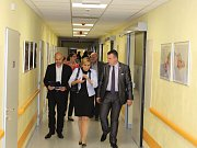 Nové šestinedělí na gynekologicko-porodnickém oddělení sokolovské nemocnice bylo slavnostně otevřeno v úterý. Sloužit začne novorodičkám od 25. září 2017.