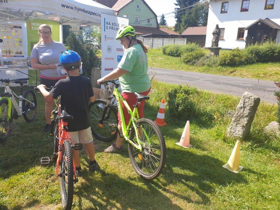 V horské Přebuzi čekali na cyklisty policisté.