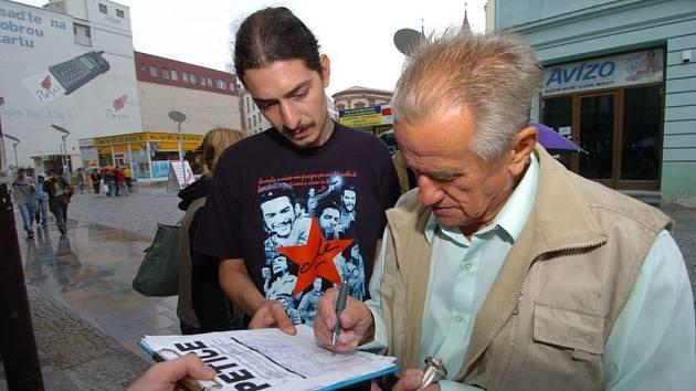 Učitelé na Sokolovsku podepisují petici. Myslí si, že školství je podhodnocené
