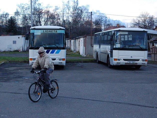 Autobusové nádraží v Chodově.