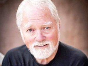 Robert Fulghum.