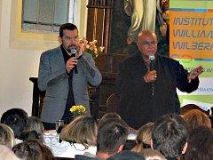 Palestinec Tass Saada (vpravo) navštívil Sokolov