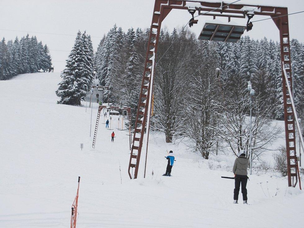 Skiareál Lišák ve Stříbrné