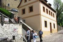 DŮM č.p. 69 má sloužit jako pokladna hradu, infocentrum a prodejna suvenýrů.
