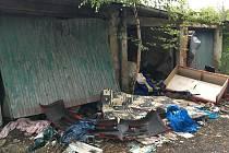Skládky se objevují opakovaně v lokalitě garáží na Jižním lomu a také v Mičurinově ulici.