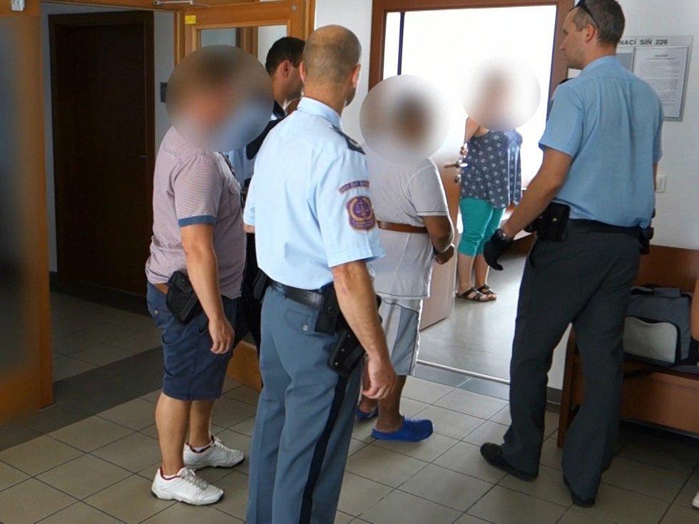 Policie zadržela dealera pervitinu