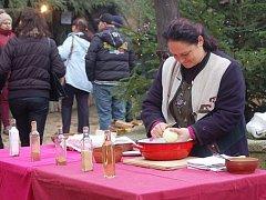 Vánoční trhy v Lokti i letos přiblíží návštěvníkům krušnohorské tradice a kuchyni.