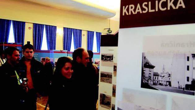 V Kraslicích začala výstava Znovuobjevené Krušnohoří.