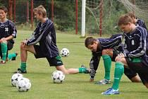 Fotbalisté Sokolova pokračují v letní přípravě. O víkendu podlehli těsně Kladnu.