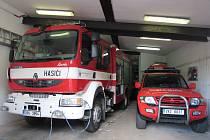VÝJEZDNÍ VOZIDLO má obsah nádrže na vodu tři tisíce litrů. Sbor dobrovolných hasičů má tento vůz již od roku 2012.