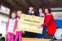 Nadační fond Ještěřice pořádá řadu benefičních akcí. Jednou z nich je Stříbrná sbírka.
