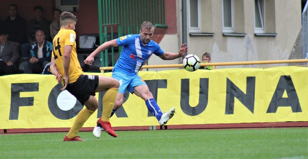 28. kolo FNL: FK Baník Sokolov - MFK Frýdek - Místek (v modrém)
