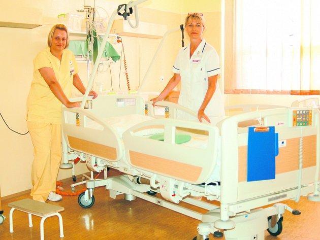 Sestřičky i pečovatelky se v karlovarské nemocnici chystají na rekonstrukci porodnice