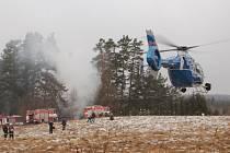 Pátrací akce byla úspěšná. Dvanáct hodin poté, co dva mladí žháři zapálili chatu v Třídomí, je policisté chytili.
