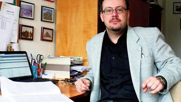 Vladimír Bružeňák se dějinám Sokolovska za druhé světové války věnuje už několik let.