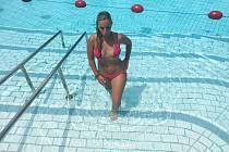 I NA KRÁTKODOBÉ brigádě si v Německu může člověk slušně přivydělat. Lucie Nyčová ze Sokolova si vyzkoušela brigádu jako plavčice v bazénu v příhraničí, nakonec  se za prací odstěhovala.