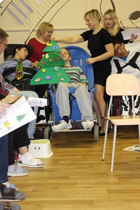 Klienti Mateřídoušky si připravili vánoční besídku.