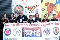 Karatisté z SKP Unitop Shodokan Sokolov pod vedením trenéra Jiřího Jiráska v Belgii