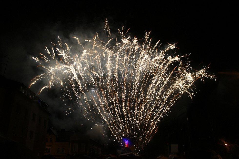 Novoroční ohňostroj v Kraslicích.