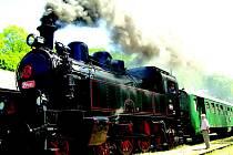 Parní lokomotiva na nádraží v Lokti.