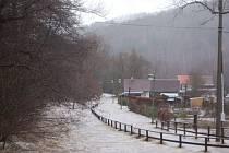 Zaplavená pěší zóna v Kraslicích.