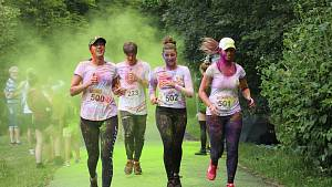 Zhruba 600 běžců se se zapojilo do 2. ročníku Barevného běhu.