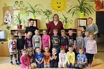 Třída Sluníček z mateřské školy v Krajkové.