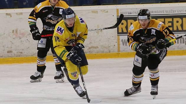 Hokejové utkání mezi Ústím a Sokolovem