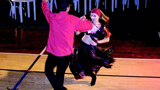 Taneční vystoupení.