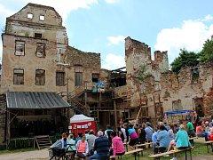 Hrad Hartenberg prochází postupnou obnovou. Stále mu ale chybí potřebné zázemí pro návštěvníky.