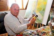 MALÍŘ. František Kubina si jako médium zvolil olejové barvy.