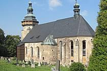 Kostel svatého Jiří v Horním Slavkově prochází postupnou rekonstrukcí.