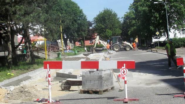 S POMOCÍ dotací z ROPu se v letošním roce ve městě podařilo zrekonstruovat náměstí SNP.