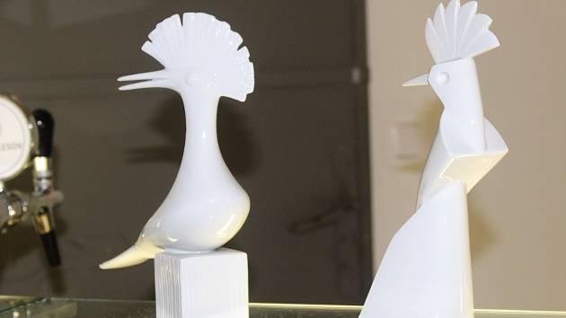 Jednou z novinek letošního festivalu je nová cena, Ostrovský dudek (vpravo). Vlevo je dudek původní.