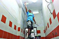 Opravy školy v Chodově.
