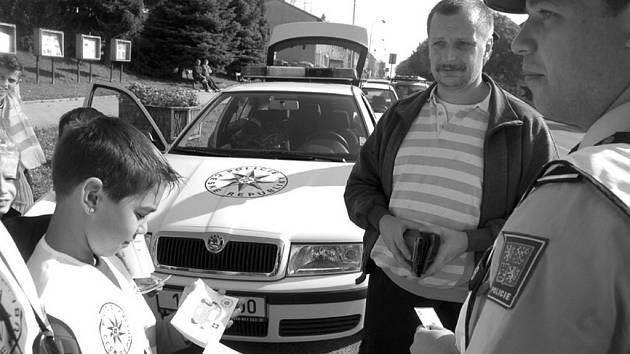 Děti budou opět kontrolovat s policisty řidiče