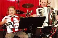 Setkání harmonikářů a heligonkářů v Březové