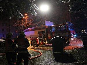 Požár bytu v panelovém domě v Horním Slavkově