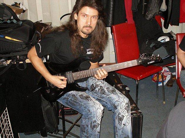 Viktor Smolski.