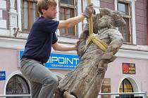 Sokolník se vrátil na Staré náměstí v Sokolově.