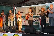 V pátek zahrají a zazpívají na Folkové Ohři opět i loketští Roháči.