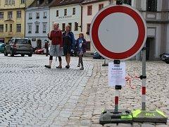 Motoristé musejí v těchto dnech počítat s dopravními omezeními. Ta největší nastanou v sobotu a neděli.