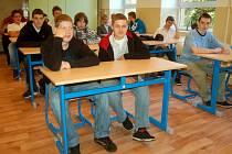 Do první městské střední školy v Kraslicích usedlo pětadvacet žáků v oborech strojní mechanik a nástrojař.