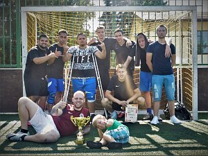 KHAMORO 2018. Turnaje v malé kopané se zúčastnilo devět týmů. Vítězství si odvezl ten sokolovský (na snímku).