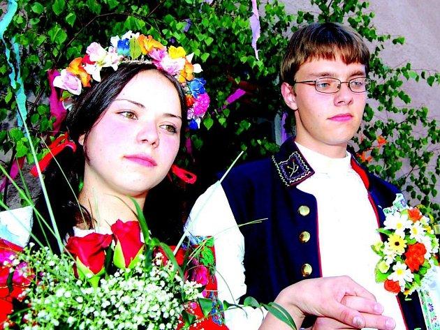 Královna a král letošních májů v Krásně.
