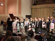 Celostátní soutěžní přehlídky dětských pěveckých sborů s názvem Zahrada písní se zúčastnil i dětský pěvecký sbor Kolibříci ze Základní umělecké školy Sokolov.