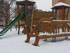 NEBEZPEČNÁ HŘIŠTĚ zmizí ze Sokolova. Některá nahradí novější dětská hřiště (na snímku).