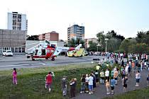 NEHODA skončila tragicky. Letecká záchranná služba přiletěla pro zraněné batole.