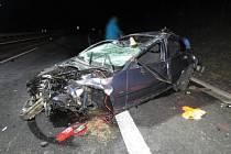 JEDNA Z POSLEDNÍCH tragických nehod se stala před Vánoci na dálnici D6, kde havaroval řidič, který jel příliš rychle a na letních pneumatikách. Spolujezdec nehodu nepřežil.